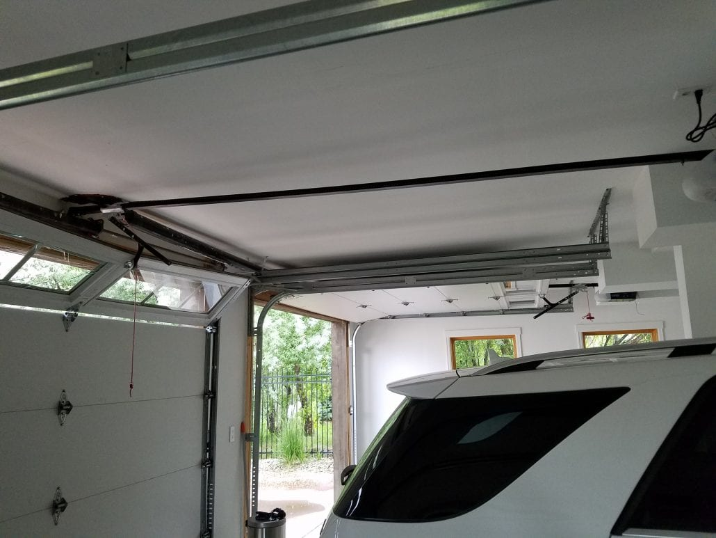 Basic Garage Door Repair in Aurora, CO